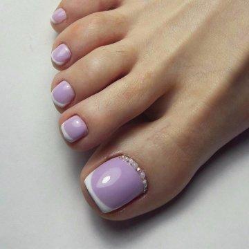 Педикюр: модный дизайн ногтей на ногах 2018