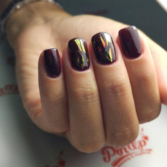 Полоски на ногтях и способы выполнения дизайна, фото маникюра