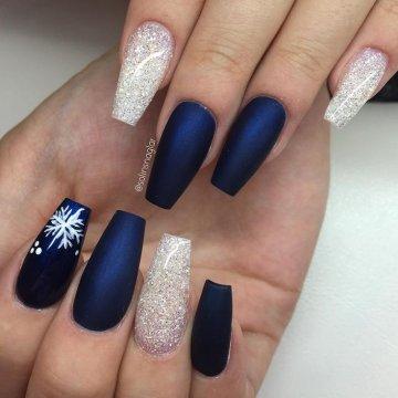 Снежинки на ногтях: лучшие идеи зима 2018-2019