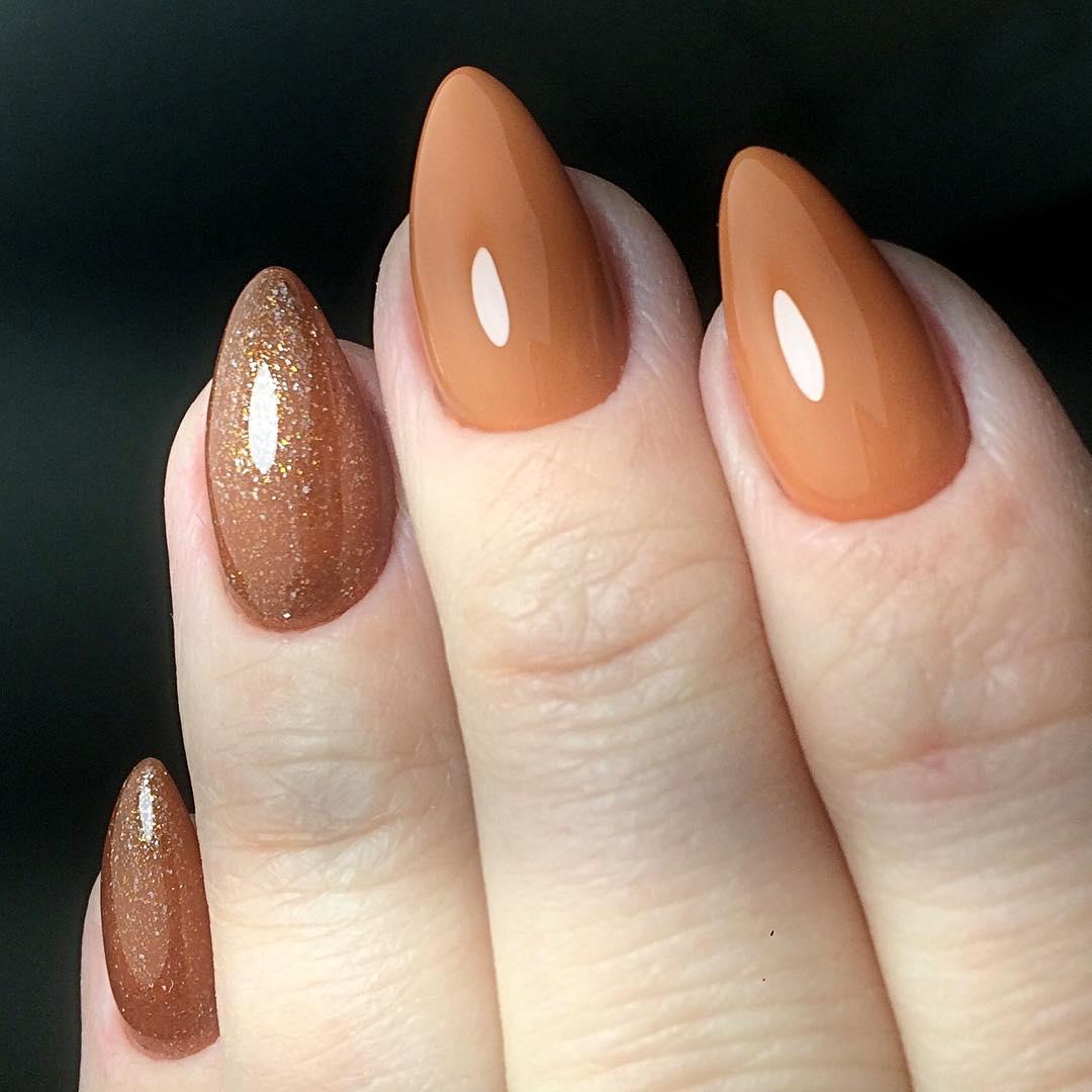 Острая форма ногтей на коротких ногтях фото