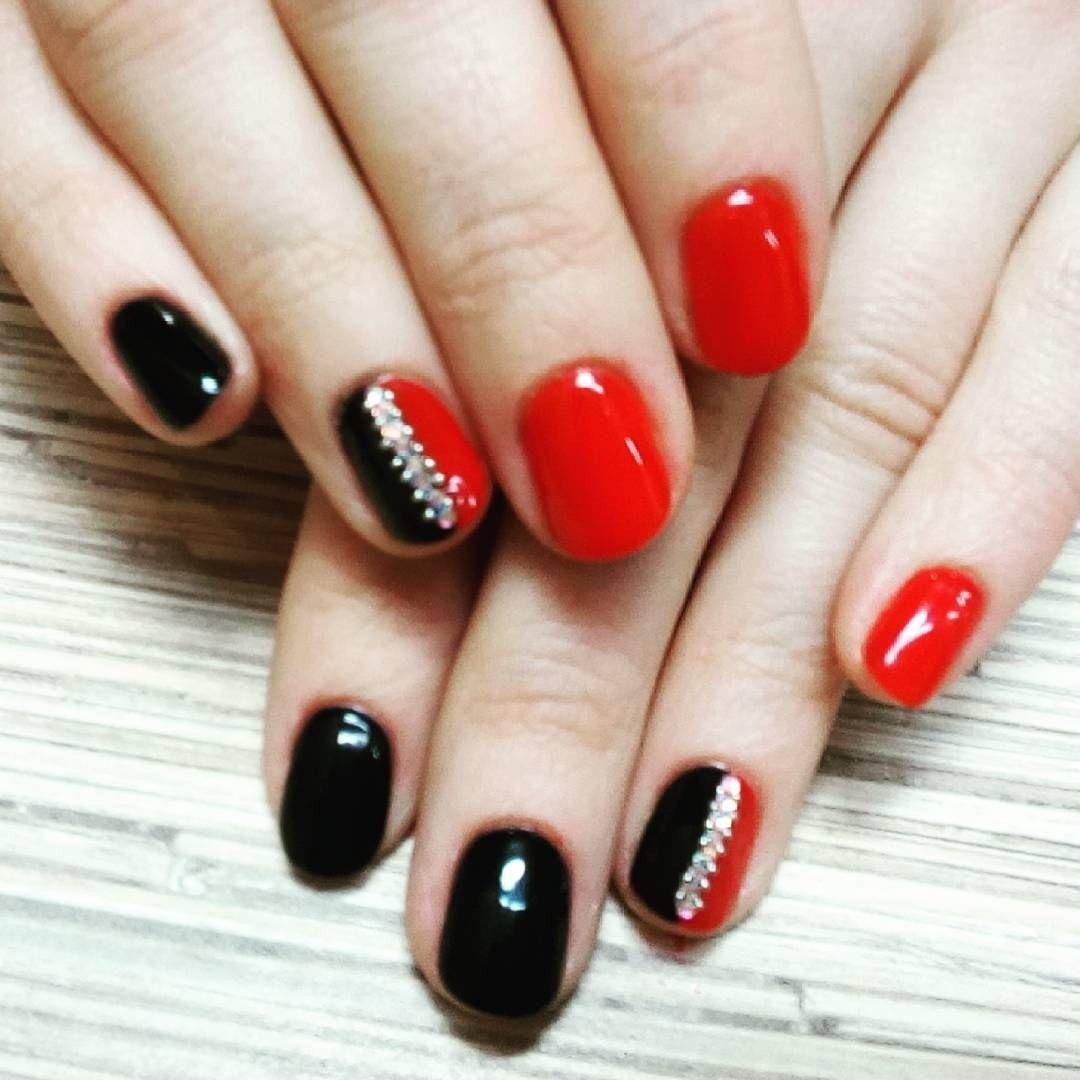 Идеи маникюра красно черного цвета