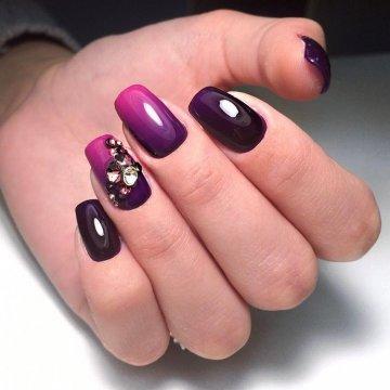 Маникюр в фиолетовых тонах: фото-новинки 2019
