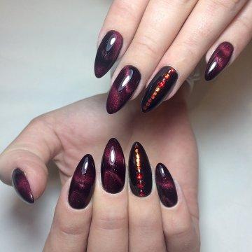 Маникюр на острые ногти: модные тенденции, фото 2018