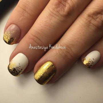 Дизайн ногтей с золотом: идеи, фото-новинки 2018
