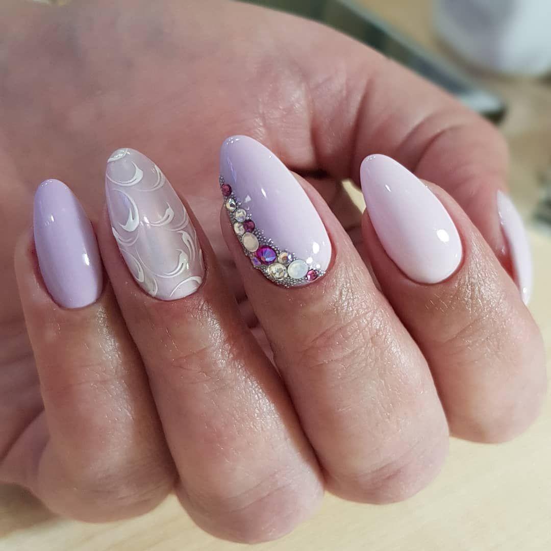 Фото новинки на овальные ногти