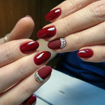 Бордовый маникюр 2018: модные тенденции, фото-идеи