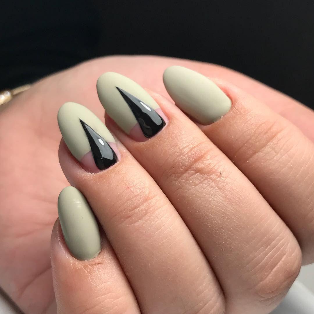 Этот дизайн ногтей позволяет не только сделать креативный маникюр, но и продлить своим ногтям жизнь.