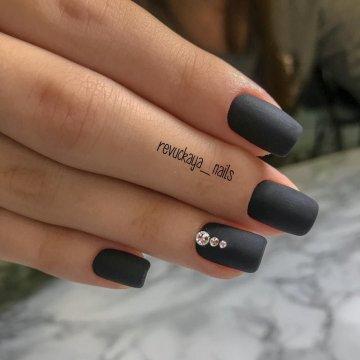 Картинки по запросу черные ногти матовые