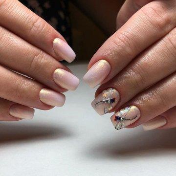 Дизайн ногтей со стрекозой: новые фото-идеи маникюра
