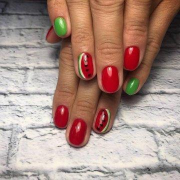 Фрукты и ягоды на ногтях: 192 фото-идеи модного маникюра