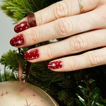 Тренды рождественского маникюра 2020: все новинки и фотоидеи